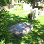 Kaatunut hautakivi
